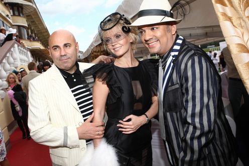 OnAir.ru - VII Скачки «Гран-При Радио Monte Carlo»: столичный бомонд снова надел шляпки!