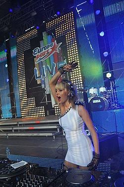 OnAir.ru: Europa Plus LIVE 2010 – мегатанцпол в «Лужниках»!