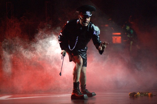 """OnAir.ru - Москва шумно отметила 10-ти летие культового спектакля """"День радио"""""""